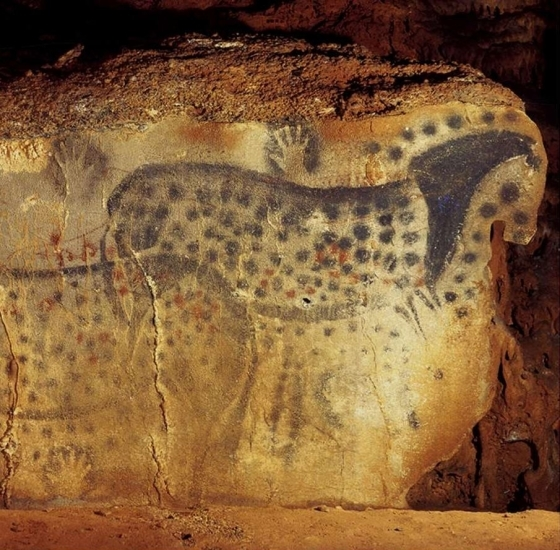 Pech-Merle cave: the dotted horses